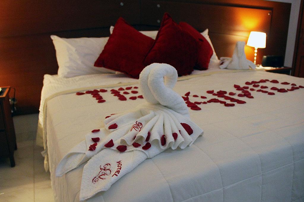 Decoracion noche romantica hotel - Decorar habitacion romantica ...